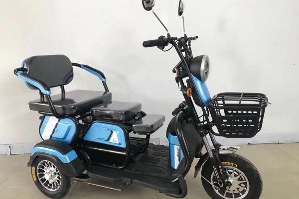 Xe đạp điện 3 bánh 3 chỗ ngồi