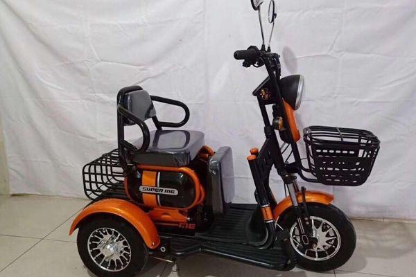 Xe máy điện 3 bánh 2 chỗ ngồi